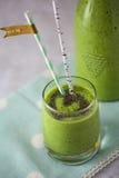 Un frullato di potere verde con Chia Seeds Fotografie Stock Libere da Diritti