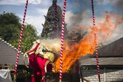 Un funerale in Bali, Indonesia fotografia stock