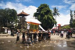 Un funerale in Bali, Indonesia immagine stock libera da diritti