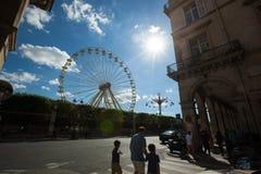 Un funfair del verano en los jardines de Tuileries, en el centro del par Imagen de archivo