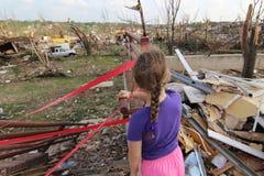 Un futuro incierto en Joplin dañado tornado, MES imágenes de archivo libres de regalías