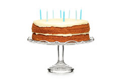 Un gâteau de chocolat d'anniversaire avec des bougies Images libres de droits