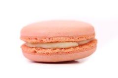 Un gâteau de macaron. D'isolement. Image stock