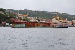 Un ` général abandonné d'Anina de ` de cargo ont construit 1970 et un gauche pour se rouiller dans la baie du ` s Grenada de St G Photographie stock