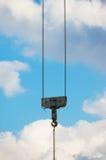 Un gancho de leva de la grúa de elevación Imágenes de archivo libres de regalías
