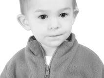 Un garçon adorable d'ans en noir et blanc Images libres de droits