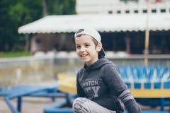 Un garçon de sourire Photo libre de droits