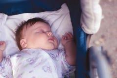 Un garçon nouveau-né Photo stock