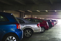 Un garage de estacionamiento céntrico Imagen de archivo