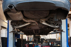 Un garage di riparazione dell'automobile Fotografie Stock Libere da Diritti