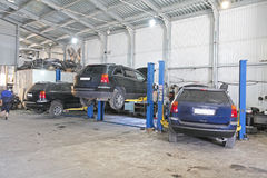 Un garaje de la reparación del coche fotos de archivo