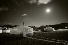 Un Ger mongol en un campo Fotos de archivo