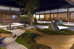 Un giardino di rocce giapponese tradizionale in Koyasan, Giappone Fotografia Stock