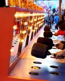 Un gioco dante un schiaffo al carnevale Fotografie Stock Libere da Diritti