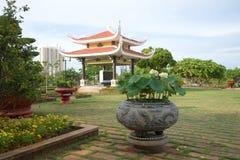 Un giorno nuvoloso sul sito del memoriale di Ho Chi Minh vietnam Fotografia Stock Libera da Diritti