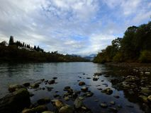 Un giorno sul fiume Sacramento fotografia stock