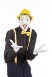 Un giovane felice, un attore, pantomimo, si rallegra nel successo Fotografia Stock Libera da Diritti