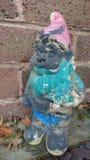 Un gnome mal peint Images stock