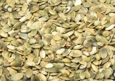 Un gran número de semillas de calabaza Fotos de archivo