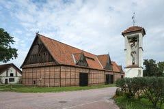 Un granaio storico del mattone in Tolkmicko, Polonia Immagini Stock
