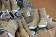 Un grand choix de bottes de feutre à vendre Photo stock