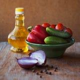 Un grand choix de légumes sur la table Images stock