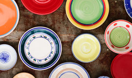 Un grand choix de plats et de cuvettes de couleur Photo libre de droits