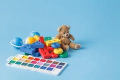 Un grand nombre de jouets d'enfants Image stock