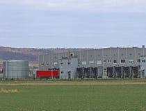 Un grande centro automobilistico di logistica Trasporto e destribution delle merci Trasporto del motore workplaces Economia e bus immagine stock