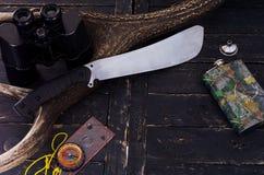Un grande coltello brillante Boccetta per le bevande alcoliche Fotografie Stock