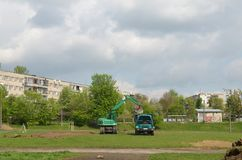 Un grande escavatore Loading Dumper Truck nello stadio fotografie stock libere da diritti