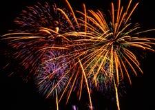 Un grande evento dell'esposizione dei fuochi d'artificio. Immagini Stock Libere da Diritti