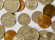 Un grande mucchio delle monete americane valuta immagine stock libera da diritti