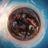 Un grande panorama di 360 gradi nell'alta risoluzione della città di Kiev su Podol al tramonto Immagini Stock