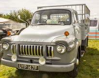 Un gris coloré rétro prend le camion photo libre de droits