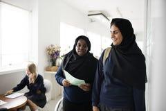 Un groupe d'étudiants musulmans Photos stock
