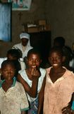 Un groupe d'adolescents au Burundi. Photographie stock libre de droits
