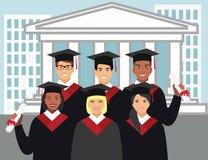 Un groupe de diplômés de différentes nationalités dans le diplômé de robe sur le fond de l'université Illustration Libre de Droits