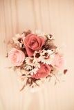Un groupe de fleur sur la table Image libre de droits