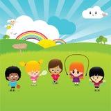 Enfants heureux jouant ensemble Images libres de droits