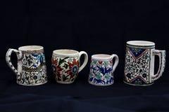 Un groupe de tasse en céramique historique, Kutahya, Turquie photos stock