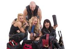 Un groupe des filles heureuses et de l'homme ayant l'amusement Image libre de droits