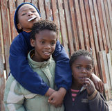 Un groupe non identifié de jeune adolescent Photos libres de droits