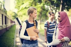 Un grupo de adolescentes diversos Imagen de archivo libre de regalías