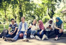Un grupo de adolescentes diversos Fotos de archivo libres de regalías