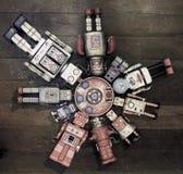 Un grupo de arounf del gater de los amigos del robot la nave de madre Fotografía de archivo libre de regalías