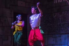 Un grupo de bailarines de Aspara se realizaba en un público se realiza en Siem Reap, Camboya Foto de archivo libre de regalías