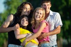 Un grupo de gente joven que se divierte Fotos de archivo