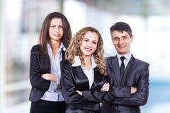 Un grupo de negocio atractivo y acertado Foto de archivo