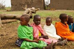 Un grupo de niños encantadores del kenyan fotos de archivo libres de regalías